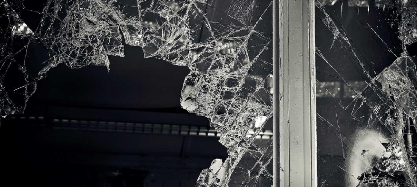Glass breaking